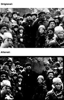 Vladimir Lenin celebra el segundo aniversario de la Revolución Rusa en la Plaza Roja. Su ex-camarada Leon Trotsky desparece en la imagen alterada.