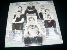 La contraportada del album de 1982 Picture This de Huey Lewis and the News