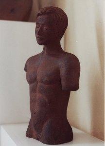 Una de las esculturas que decoran el hogar de Juhan Dresán realizada por él mismo.