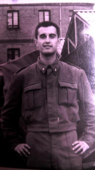 1962 Ángel haciendo el servicio militar.