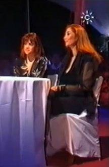 Entrevista previa a la actuación en el programa de las autonomicas, presentado por Consuelo Berlanga de Carmela y Saray Muñoz, hermana e hija de la gran artista Tina Muñoz