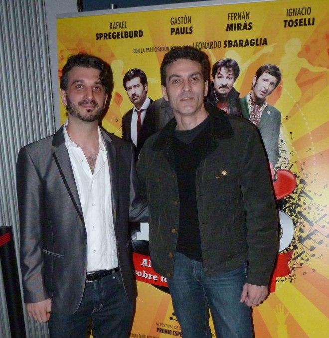 """Jueves, 30 de mayo de 2014, preestreno en cines Boliche de """"Días de vinilo"""" En la imagen Gabriel Nesci y un servidor"""