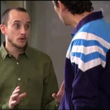 """José García Ruiz como Higinio en """"Aída"""" junto a Paco León (Luisma)"""