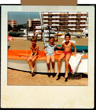 Joaquín Ramos, Laura Ramos y yo, en el Club Naútico de Cunit
