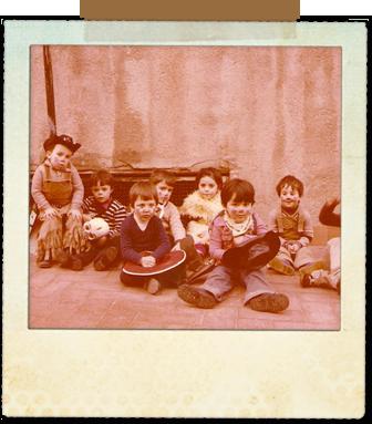 Carnaval en párvulos. Finales de los 70. Soy el tercero de la derecha de la foto.